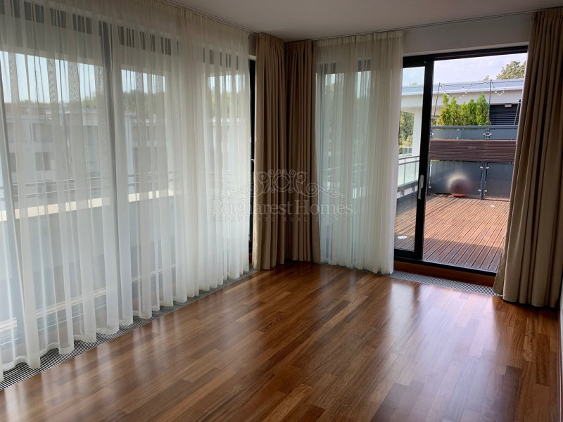 Impressive Five Bedroom Penthouse, Baneasa