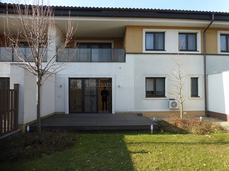 Four Bedroom House in Pipera