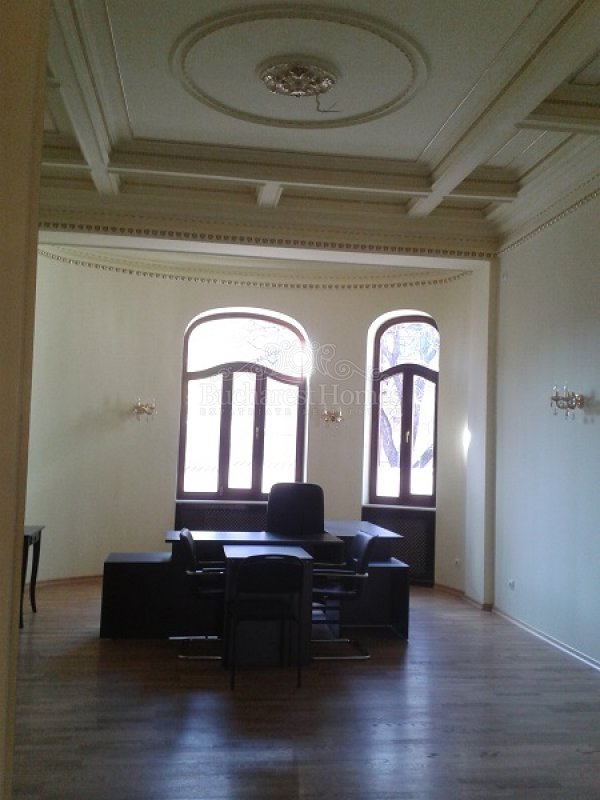 Eclectic Palace- Statement Office, Downtown Bucharest