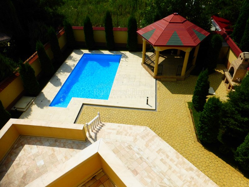 Seven Bedroom Mansion in Pipera with Pool