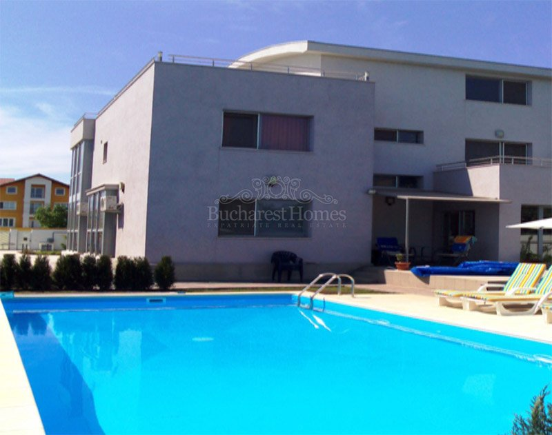 Five bedroom house with pool and large garden in pipera for 5 bedroom house with pool