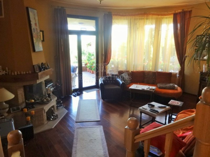 Four Bedroom House on the Lake - Corbeanca
