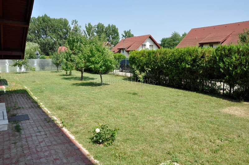Large Four Bedroom Villa, Otopeni