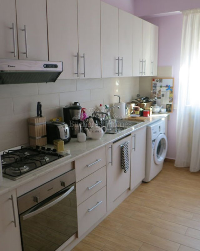 Well Designed Two-Bed Apartment with Terrace in Herastrau