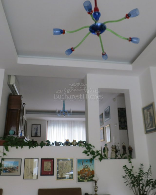 Six Bedroom Family Home in Herastrau