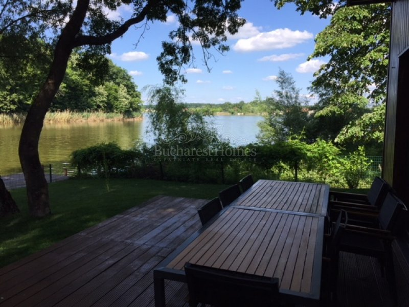 Four Bedroom Lake Front Property, Snagov