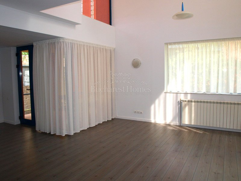 Three Bedroom Villa with Garden in Herastrau