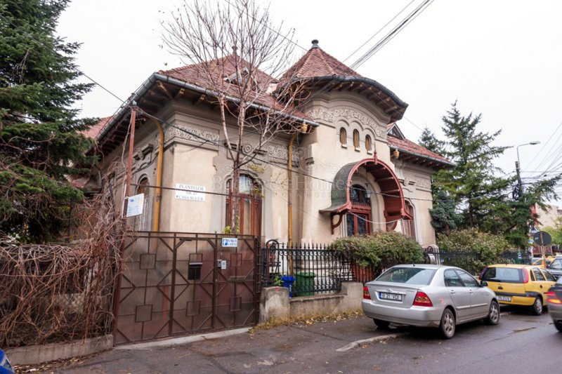 Historical Mansion Of 1921 Downtown Sale Bucharest