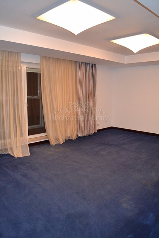 Luxury Four Bedrooms Penthouse, Herastrau