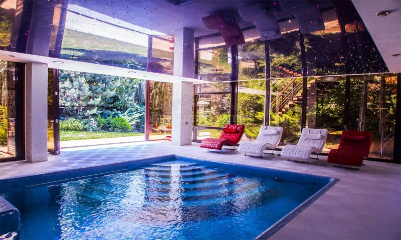 Five bedroom villa with indoor pool pipera rental for 5 bedroom house with pool
