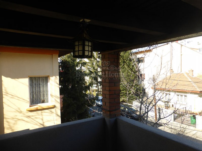 Three Bedroom House with Terrace in Dorobanti