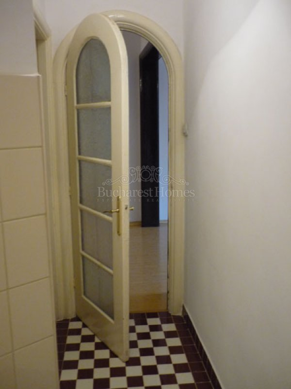 Charming 2 Bed Apartment Downtown Bucharest